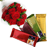 Send Valentine' Day Gifts to India : Chocolates with Flowers to Delhi