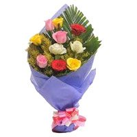 Diwali Flowers Delivery. Mixed Roses Bouquet in Crepe 10 Flowers in India