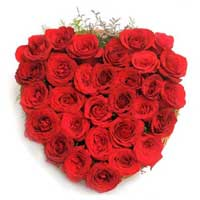 Send Valentine's Day Flowers to India : Red Roses Heart Arrangement