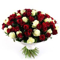 Send Diwali Flowers to Delhi. Red White Roses Bouquet 100 Flowers in India