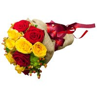 Send Red Yellow Roses Bouquet 12 Flowers to India Online for Diwali