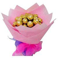 Birthday Gifts in Thanjavur. 16 Pcs Ferrero Rocher Bouquet Delivery to Thanjavur