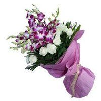 Flowers to Navasari. OrchidsnRoses Bouquet of 20 Flowers to Navasari