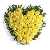 Flower Delivery in Trichur. Send Yellow Roses Heart 40 Flowers to Trichur